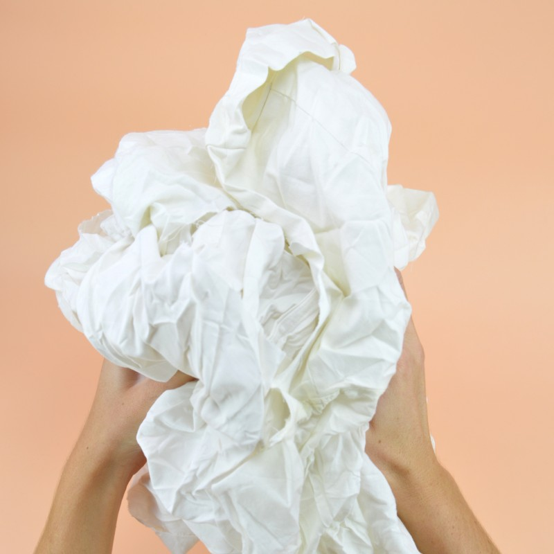 Chiffon drap blanc cotonneux issu des particuliers